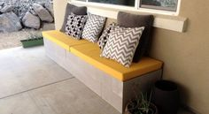 Dicas para Montar um Sofá Decorativo com blocos   Decoração e Dicas