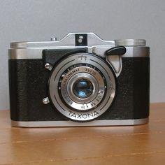 Zeiss Ikon Taxona with 3.5/35 mm Novar-Anastigmat - klassik-kameras