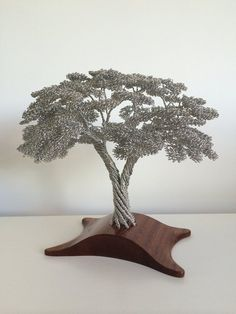 wire tree sculpture by Clive Maddison