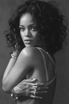 I love how Rih inspires women all over the world to be FEARLESS