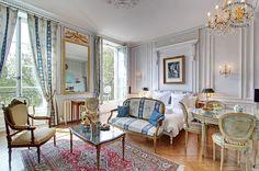 Ile Saint Louis luxury apartment with view on Seine River, Paris Paris Apartment Rentals, Cosy Apartment, Apartment Interior, Rental Apartments, Apartment Living, Studio Apartments, Apartment Ideas, Paris Home Decor, Parisian Decor