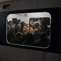 Take a look at this modern photojournalism that accidentally looks like Renaissance Paintings. These awesome pictures nailed the Renaissance art look, and they weren't everything. Renaissance Paintings, Renaissance Art, Film Photography, Street Photography, Nostalgia Photography, Framing Photography, Photography Lighting, Photography Business, Urban Photography