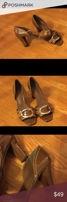 Mariana by GolcGorgeous! Beautiful Open Toe Shoes in Brown Patent Leather!!!! Size 36.....Heels have one scuff...look at pics closely....size chart says 36 equals 6 Mariana  Shoes