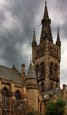 Studied Vet School abroad at Glasgow University, Scotland Glasgow Scotland, Scotland Travel, Places To Travel, Places To Visit, Glasgow University, Slytherin Aesthetic, Amazing Buildings, Chapelle, Beautiful Architecture