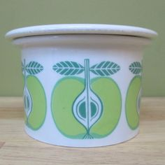 Raija Uosikkinen - Pomona - Arabia   Apple Vintage Dishware, Different Fruits, Fruit Pattern, Finland, Blueberry, Planter Pots, Strawberry, Bee, Objects