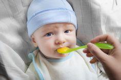 Beikost: Babys müssen erst lernen zu essen