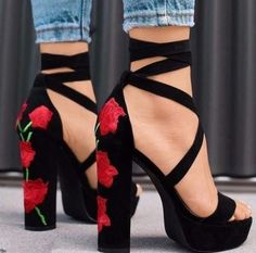 Free Ship* Rose Embroidered High Heel Sandals - Jennifer Novy - Damen Hochzeitskleid and Schuhe! Prom Shoes, Women's Shoes, Me Too Shoes, Dress Shoes, Sandals Outfit, Buy Shoes, Booties Outfit, Golf Shoes, Shoes Sneakers