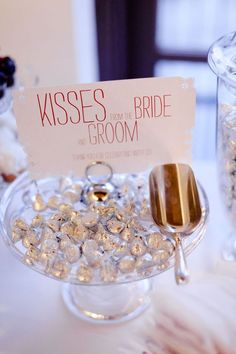 Wedding Reception love this idea, but don't like Hershey I'd use Italian chocolate (bacci - kisses) with little love poems / sayings in the wrapper - Hersheys-Kisses-Favors Inexpensive Wedding Favors, Unique Wedding Favors, Unique Weddings, Wedding Gifts, Wedding Tokens, Wedding Keepsakes, Trendy Wedding, Wedding Puns, Engagement Party Favors