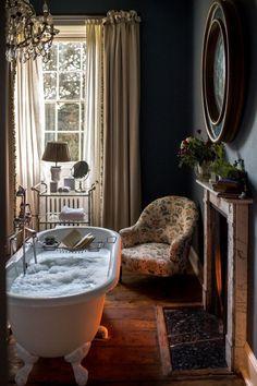 Home Interior Design — A Girls Getaway to Babington House in Somerset Soho House, Home Design, Design Room, Babington House, Home Interior, Interior Design, Interior Modern, Girls Getaway, Beautiful Bathrooms