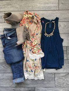 Floral Kimono Outfit –