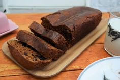 This delicious Sticky Malt Loaf is brilliant as an afternoon energy boost or just slathered in butter at any time of the day or night. Baking Recipes Uk, Uk Recipes, Loaf Recipes, Dessert Recipes, Recipies, Yummy Treats, Sweet Treats, Yummy Food, Malt Bread Recipe