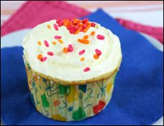hungry girl very vanilla cupcake, thinking about making these to take to work monday.