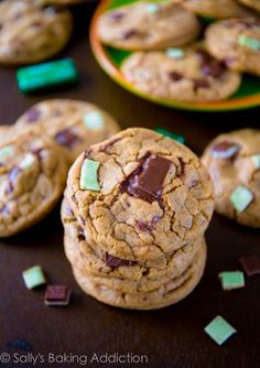 Chewy Mocha Mint Chocolate Chunk Cookies, plus the secrets to chewy and soft cookies! Recipe sallysbakingaddiction.com