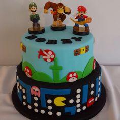 Retro Pacman, Mario and Donkey Kong cake made by Katy Arnold