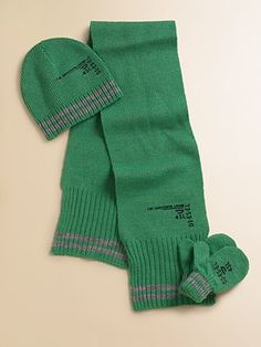What a great infant scarf idea for a photo prop-dye tube socks and see them together.