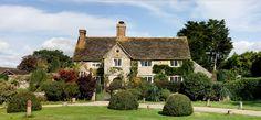 34 fantastiche immagini su english country cottages nel for Arredamento pub inglese