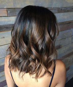 Hair Color Trend The Most Beautiful Caramel Balayage Hairstyles for Any . - Hair Color Trend The Most Beautiful Caramel Balayage Hairstyles for all hair types and length - Cute Hairstyles For Medium Hair, Medium Hair Styles, Curly Hair Styles, Casual Hairstyles, Bob Hairstyles, Hairstyles Pictures, Hair Medium, Celebrity Hairstyles, Summer Hairstyles