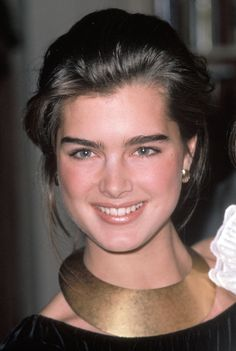 Brooke Shields, Cara Delevingne And More Celebrity Eyebrows We . Brooke Shields Eyebrows, Brooke Shields Young, Jean Calvin Klein, Celebrity Eyebrows, Vaquera Sexy, Eyebrow Trends, Cool Winter, Nastassja Kinski, Thick Eyebrows