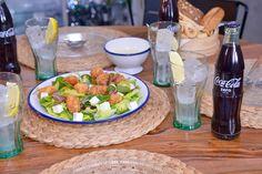 Ensalada de pollo y queso feta:  Prueba una ensalada ligera de pollo acompañada de queso feta y de una Coca-Cola bien fresquita. Así darás un toque gourmet. No hay mejor combinación. #SienteElSabor #ComparteCocaColaCon #CocaCola #Recetas #Consejos #Comida https://youtu.be/qGqU_0oW7Zw