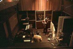 Peter Gabriel, Tony Levyn y otros en Triedent Studios (1978)