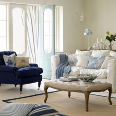 Blue and white living room | Decorating with country colours | PHOTO GALLERY | Country Homes & Interiors | Housetohome.co.uk