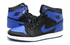 #6. Air Jordan 1 Nike's move into skateboarding in the early 2000s was no surprise, what was surprising is how long it took them to make a big push after they had accidental skateboard footwear successes with the Jordan 1s and the Blazer. With the release of the original Air Jordan 1 in the late '80s, skateboarders had a shoe they could turn to with a little more protection and padding under their feet.