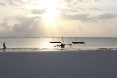 Nothing beats the sunrises in diani    Come OUR way  http://upanidiani.com  by @evynmurry   http://upanidiani.com/