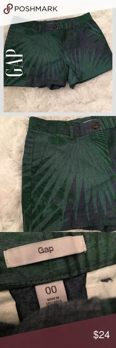 GAP Green & Blue Jungle Scene Shorts GAP Green & Blue Jungle Scene Shorts. Perfect condition. No tears, rips, stains, or fading. Perfect for summer. 😎 GAP Shorts