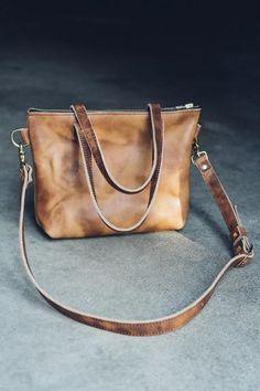 hustle & hide co // the ren tote in horsemen rust leather