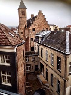 One of the ancient buildings in the center of Arnhem. Info: www.vvvarnhemnijmegen.nl