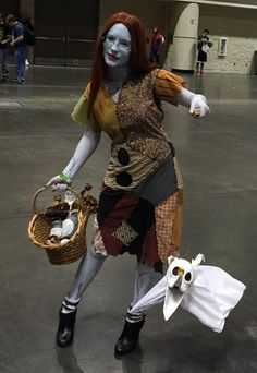 clever christmas costumes Nightmare Before Christmas - Clever Halloween Costumes Inspired By Your Favorite Movies - Photos Comic Con Costumes, Clever Halloween Costumes, Hallowen Costume, Disney Costumes, Movie Costumes, Christmas Costumes, Halloween Kostüm, Halloween Cosplay, Cool Costumes