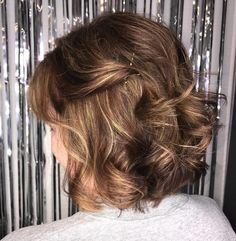 Wedding Hairstyles Medium Hair 40 Gorgeous Mother of Bride Groom Short Hairstyles Ideas - Find More Ideas about Mother of Bride Groom Short Hairstyles Short Hairstyles For Thick Hair, Layered Bob Hairstyles, Mom Hairstyles, Wedding Hairstyles, Asian Hairstyles, Creative Hairstyles, Elegant Hairstyles, Latest Hairstyles, Hairstyle Ideas