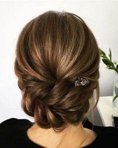 Ideas de peinados para #novias #tendencias #cabello Braided Hairstyles For Wedding, Braided Updo, Bride Hairstyles, Bridesmaid Hairstyles, Graduation Hairstyles, Hairstyles 2018, Evening Hairstyles, Teenage Hairstyles, Hairstyle Ideas