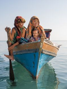 The Sea Gypsies of Borneo & Their Vanishing Way of Life — #Photography via @featureshoot