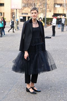 Agyness Deyn at molly Goddard Bad Fashion, Tomboy Fashion, Look Street Style, Street Chic, Royal Blue Outfits, Boho Outfits, Fashion Outfits, Glamour, How To Look Pretty