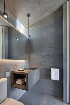 Mork-Ulnes Architects designs a concrete guest house that completely opens up to the California landscape Rustic Bathroom Designs, Rustic Bathrooms, Modern Bathroom, Bathroom Ideas, Concrete Bathroom, Concrete Wall, Concrete Floors, Wet Rooms, Industrial Bathroom