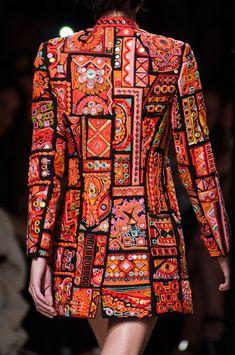 Barbara Bui at Paris Fashion Week Spring 2015 - Details Runway Photos Paris Fashion, Boho Fashion, Fashion Dresses, Navratri Dress, Afghan Clothes, Fashion Details, Fashion Design, Jackett, Indian Designer Wear