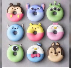 Rate this post Donuts criativos! Natural and Organic. Natural and Organic.jo ( 1 2 3 4 5 6 7 8 or Disney Desserts, Mini Desserts, Disney Food, Delicious Desserts, Dessert Recipes, Yummy Food, Disney Pixar, Dessert Food, Recipes Dinner