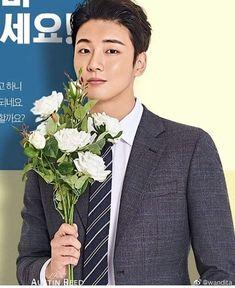 Encantador 💚 #YoonShiYoon Breast, Suit Jacket, Suits, Twitter, Jackets, Fashion, Down Jackets, Moda, Outfits
