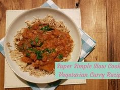 This super simple Slow Cooker Vegetarian Curry recipe is so tasty that you would never believe it takes so little effort to prepare! Slimming World Sweets, Slimming World Recipes Syn Free, Slow Cooker Vegetarian Curry, Slow Cooker Recipes, Crockpot Recipes, Slow Cooker Rice Pudding, Free Rice, Best Comfort Food, Yummy Food
