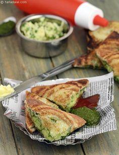 Cheese Chilli Toast ( Mumbai Roadside Snack) recipe | Cheese Chilly Toast ( Mumbai Roadside Recipes ) | by Tarla Dalal | Tarladalal.com | #33421