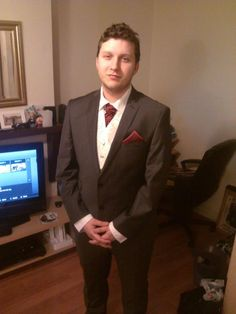 Laura Woodruff- Here is a picture of my husband be wearing his lovely DQT cravat and pocket handkerchief.