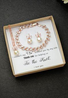Fresh water pearl Personalized rose Gold Bridesmaid Gift Set Bridesmaid Earrings bracelet Bridesmaid Jewelry Bridal Jewelry Set Bridesmaid #bridesmaidjewelrysetsgold