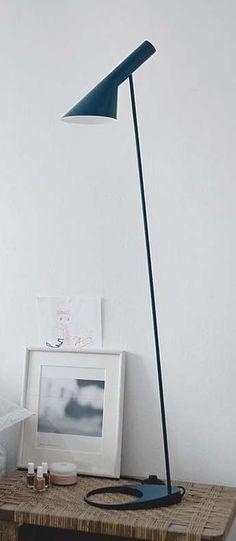 Lampadaire aj bleu nuit l27 5cm h130cm louis poulsen normal