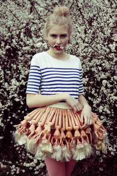 I'm a Barbie Girl. (In a Barbie skirt. Fashion Week, Look Fashion, Fashion Art, High Fashion, Womens Fashion, Fashion Design, Crazy Fashion, Funny Fashion, Looks Party