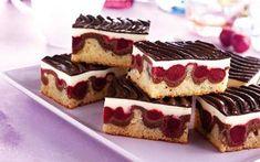 Avrupa ülkelerinin ünlü pasta tarifi olarak bilinen bu tatlıyı mutfaklarınız da da kolayca pişirebilirsiniz. Dilerseniz kırmızı meyve olmadan da haz..