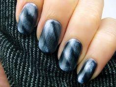 Magnetic Nail Polish!