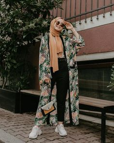 the best hijab clothing ideas. Source by amqidwi Outfits hijab Hijab Fashion Summer, Modest Fashion Hijab, Modern Hijab Fashion, Street Hijab Fashion, Casual Hijab Outfit, Hijab Chic, Abaya Fashion, Muslim Fashion, Fashion Outfits