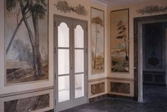 trompe-l'oeil scenes painted on panels on walls of private house ~ Mireille Estévenin | design - Linguavino