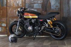 Suzuki Inazuma 400 Cafe Racer by GiaMi Motorcycles #motorcycles #caferacer #motos | caferacerpasion.com
